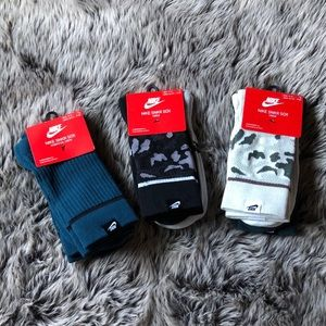 NIKE SNKR SOX- NEW WITH TAGS